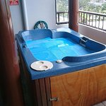 2 person spa, not 4 despite the appartment being for 4