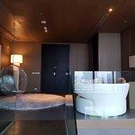 SO VIP 2 Bedroom Duplex - Entry Foyer