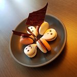 Room Amenity - Halloween Macaroons