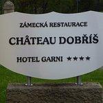 Тут тебе и ресторация, и отель...