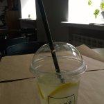 Лимонад с имбирем и лимоном