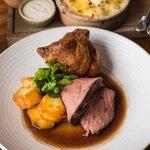 Sunday Roast - Beef & Roast potatoes and sides