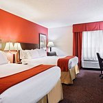 Photo de Holiday Inn Express & Suites Knoxville-North-I-75 Exit 112
