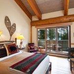 Lodge Queen Rooms