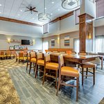 Photo of Hampton Inn Boston-Norwood