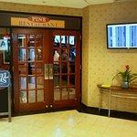 Photo de Holiday Inn LaGuardia Airport