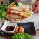 Semi Sweet cafe Foto