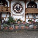 """la plus grande horloge en """"Forêt Noir"""""""