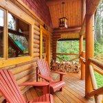 Foto van Cathedral Mountain Lodge