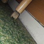 Poussière sous le lit