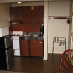 Kitchenettes have oven/stovetop & microwave/ fridge.Kitchettes have utincels to cook with.