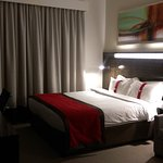 Holiday Inn Express Dubai-Internet City Photo