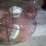 Saumon sauce ciboulette et sa brioche