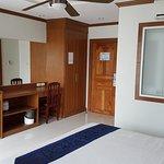 Photo de Green Harbor Hotel & Service Apartments