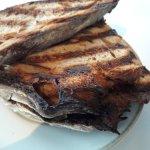 Meierei am Stadtpark: Zum feinen Beef tatare vom Weiderind wurde dunkelbraunes Brot serviert?!!