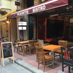 PeriPetie Bistro near Istiklal Street - Wonderful to sit outside and enjoy a relaxed lunch