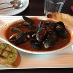 Mussels and Garlic Toast