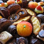 European miniature pastry trays- a perfect sweet treat for any occasion!
