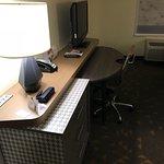 堪薩斯城機場假日飯店照片