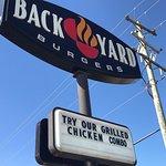 Foto van Backyard Burgers