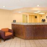 Photo de Residence Inn Costa Mesa Newport Beach
