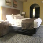 Comfortable King Size Bed, Legacy Golf Resort, Phoenix, Arizona