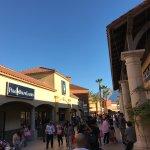 Photo de Desert Hills Premium Outlets