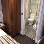 Deluxe bathroom are underfloor heated