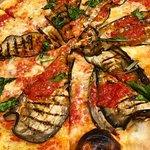 いつ行っても期待を裏切らない本物ピザ