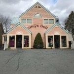 Foto de Zoey's Deli & Bakery