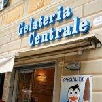 Foto di Gelateria Centrale Produzione Propria Specialita' Pinguino