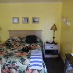 Zimmer 111 - Poolside Queen Bed Room (Non-Smoking)