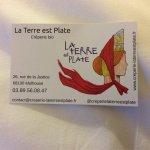 Photo of La Terre Est Plate