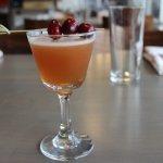 Sangre– el dorado 8 year rum, contratto bianco, cranberry, apple, earl grey