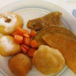 Ottimo fritto misto  leggero..il mio moscato preferito..il dolce.? Scusate l ho divorato..