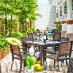 RC Hotel - The Lobby Garden
