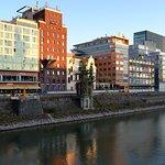 Photo of Courtyard by Marriott Duesseldorf Hafen