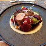 PlatánEbéd: Sertésszűz, cékla, sütőtök, bébi római saláta