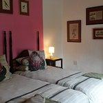 Photo de Old Thatch Lodge