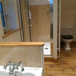 Garden veiw ensuited spacious bathroom