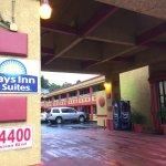 ภาพถ่ายของ Days Inn & Suites Hayward