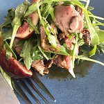 Peppered duck & fresh fig salad