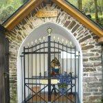 Kapelletje halverwege trappend