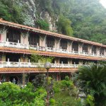 Sam Poh Tong Cave Temple