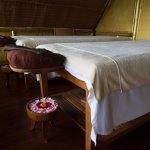 Massage beds in Treehouse spa