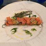 saumon et un autre poisson en entrée