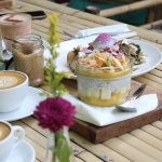 fresh roasted coffee & healthy breakfasts