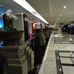 eL Royale Hotel Bandung resmi