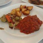 Comida de.muy buena calidad, servicio muy atento y ambiente tranquilo, disponen del menú por 12€