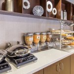 Start your morning with breakfast on us with our complimentary breakfast buffet.